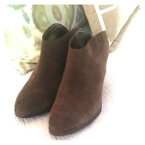 Dolce Vita Suede Booties - ( only worn once)